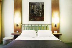 Chambre du New Hotel à Paris Hotel Paris, Paris Hotels, Paris France, Bed, Europe, Furniture, Home Decor, Modern Hotel Room, Room Inspiration