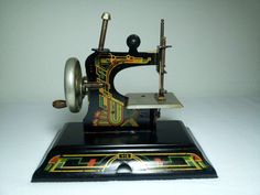1940's  Casige 116 Toy Sewing Machine
