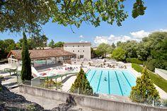 Camping Château de Boisson: Träumt Ihr davon, ein Schlossherr zu sein? Oder eine waschechte Lady? Auf dem Camping Château de Boisson wird dieser Traum endlich wahr.