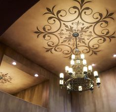 Love the faux touch on the ceiling and the stencil art Ceiling Decor, Ceiling Design, Ceiling Ideas, Roof Ceiling, Ceiling Rose, Roof Design, Wall Design, Decoration, Art Decor