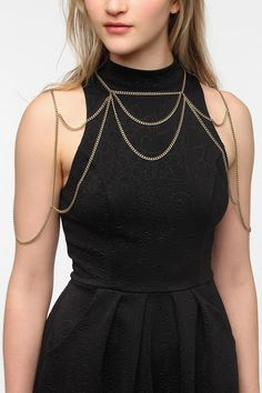 Caged Chain Necklace: Chunky chain body jewellery.