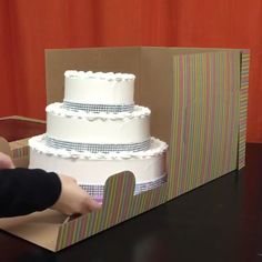 Tall Cake Boxes - Now you can transfer your two tiered or cakes safely with this Tall Window Cake Box. Cake Decorating Supplies, Cake Decorating Techniques, Cake Decorating Tutorials, Cake Boxes Packaging, Bakery Packaging, Packaging Ideas, Packaging Design, Wedding Cake Boxes, Wedding Cakes