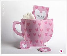 Für alle die ihrer Mutter oder einer Freundin einen kleinen Gruß schicken oder schenken wollen, habe ich diese Teetassen Karte mit passenden Anhängern für Teebeutel gemacht. Hier könnt ihr euch die Karten downloaden: Gelbe Tasse Rosa Tasse
