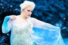 Elsa plus size cosplay. Elsa Cosplay, Cosplay Diy, Disney Cosplay, Halloween Cosplay, Cosplay Outfits, Cosplay Costumes, Cosplay Ideas, Awesome Cosplay, Costume Ideas