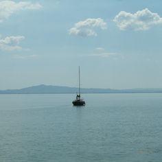 Un placido navigare sulle acque del #Trasimeno! by ferrarelle89