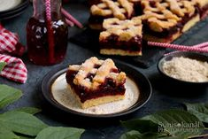 Sünis kanál: Meggyes rácsos sütemény Izu, Bourbon, French Toast, Breakfast, Food, Bourbon Whiskey, Morning Coffee, Meal, Essen