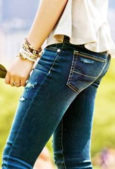 American Eagle Jeans for us girls with no butts ✊