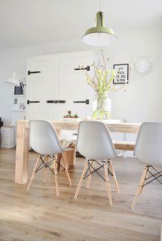 Une #déco #scandinave pour la salle à manger !#décoration #blanc #bois #maison #appartement http://www.m-habitat.fr/par-pieces/salon-et-salle-a-manger/une-salle-a-manger-scandinave-4214_A