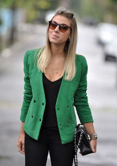glam4you - nati vozza - look - skinny - preto - casaco de la - verde - cor - inverno - charlotte olympia - chanel - oculos redondo - look do dia - inspiração