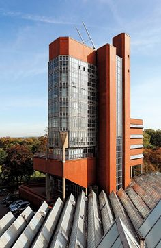 The Engineering Building at the University of Leicester | 1959 | Leicester, England | James Stirling | photo Quintin Lake