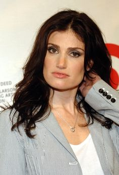 Idina Menzel The Official Ranking Of The 45 Hottest Jewish Women In Hollywood Beautiful Jewish Women, Beautiful People, Hello Beautiful, Jewish Music, Idina Menzel, Brunette Woman, Jennifer Connelly, Square Faces, In Hollywood