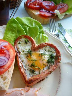 Pyry na Gaz: Zakochane jajka w parówce