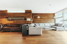 Hout in Barcelona - AB Flat, Dom Arquitecture, Barcelona architecture - Wonen Voor Mannen