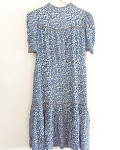 New product  bluefloral vintage dress 1/16まで買い付けのため配送はお休みしますがご購入お問い合わせは通常通り受け付けております #fab.#vintagefashion #1930s #1940s #ヴィンテージ #ビンテージ #ヴィンテージファッション#ヴィンテージワンピース #ヴィンテージドレス