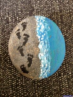 20 Incredible DIY Painted Rock Design Ideas Painted rocks uses rock as a. - 20 Incredible DIY Painted Rock Design Ideas Painted rocks uses rock as an art base that is - Pebble Painting, Pebble Art, Stone Painting, Diy Painting, Acrylic Painting Rocks, Shell Painting, Painting Stencils, Painting Patterns, China Painting