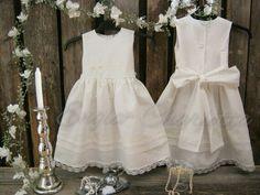 Beach flower girl dress. Rustic flower girl dress. Girls off white linen dress. Country wedding. Vintage inspired toddler birthday dress