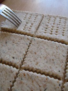 Crackers con pasta madre non rinfrescata Crackers, Pain Au Levain, I Love Pizza, Cooking Time, Finger Foods, Italian Recipes, Love Food, Bakery, Food And Drink