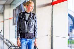 A look at photographer Jonathan Paciullo's photographs of stylish travelers at Parisian airports. Airport Attire, Travel Chic, Fashion Week 2016, Airport Style, Parisian, What To Wear, Fashion Photography, Bomber Jacket, Street Style