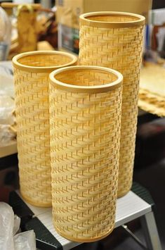 Basket Decoration Bamboo New Ideas Bamboo Light, Bamboo Lamp, Bamboo Box, Bamboo Basket, Rattan Basket, Bamboo Ideas, Bamboo Weaving, Willow Weaving, Basket Weaving