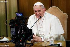 """""""EL VIDEO DEL PAPA""""  Este miércoles 6 de enero se lanzará el proyecto """"el video del Papa"""" en el cual el mismo Papa Francisco explicará en un video cada mes las intenciones de oración universal y para la evangelización propuestas por el apostolado de la oración.  http://www.news.va/es/news/el-video-del-papa"""