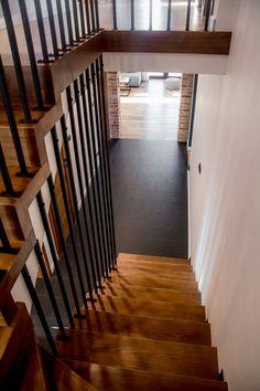 Ceglane wnętrza Elizy i Tomka! - Kocham urządzanie - bo mamy serce do wnętrz Stairs, Interior, House, Home Decor, Stairway, Decoration Home, Indoor, Home, Room Decor