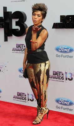 Angela Bassett Picture 41 - The 2013 BET Awards - Arrivals Fit Black Women, Beautiful Black Women, Black Girls, Beautiful People, Dope Swag Outfits, Angela Bassett, Vintage Black Glamour, African Beauty, Swagg