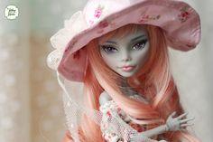Doll MH - hat - web