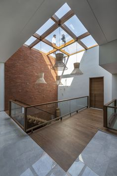 PIXEL HOUSE | The Grid Architects   #Ahmedabad #India #Photographix #PhotographixIndia #TheGridArchitects Skylight Design, Railing Design, Staircase Design, Home Room Design, Home Interior Design, Interior Architecture, Bungalow Haus Design, Modern House Design, Grid Architects