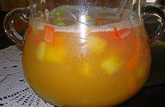 Sommerbowle ohne Alkohol, ein sehr schönes Rezept aus der Kategorie Party. Bewertungen: 8. Durchschnitt: Ø 3,9.