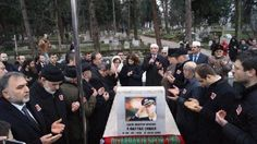 Diyarbakır'da 24 Ocak 2001 tarihinde uğradığı silahlı saldırıda şehit olan Emniyet Müdürü Ali Gaffar Okkan, Sakarya'nın Hendek İlçesi'ndeki mezarı başında dualar okunarak anıldı.