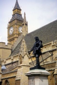 U.K. Oliver Cromwell monument, Westminster Hall, London