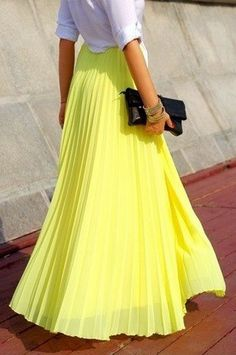 We can't wait to get out hands on this seasons bright pleated maxi skirts. #loledeux