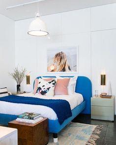 Nothing beats a vibrant and fresh bedroom design [via bloglovin] #happymonday