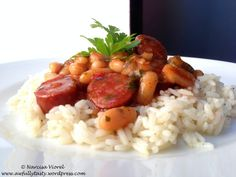 Quick chorizo bean served with rice. Chorizo, Risotto, Rice, Tasty, Ethnic Recipes, Food, Hands, Eten, Meals