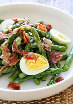 Asparagus Egg and Bacon Salad with Dijon Vinaigrette | Skinnytaste #Food-Drink