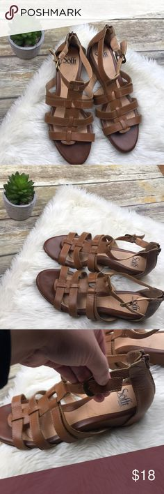 [Sofft] Brown Zip Up Sandals Size 9.5 ▪️ good preowned condition - no box   ▪️ size 9.5   ▪️ third pic show missing strap holder it's still ok to wear without noticing!   ▪️comfy to wear! They have been cleaned and ready for a new home.   ▪️no trades, no holds. Offers welcome! Sofft Shoes Sandals