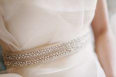 Photography By http://judypak.com.Para as noivas.Cinto bordado perfeito. Rutiléia Acessórios Exclusivos faz sob encomenda.