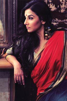 The desi girl, Vidya Balan demonstrates the chic way to wear a sheer sari.