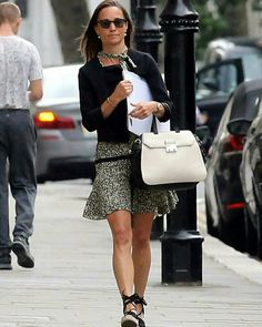 Pippa Middleton from The Big Picture: Today's Hot Photos Pretty Pippa! The newlywed is seen back in her hometown of London wearing black Castaner wedge espadrilles. Pippa Middleton Dress, Kate Middleton Wedding, Middleton Family, Pippa And James, Fairytale Fashion, Sandro, Wearing Black, Birkin, Louis Vuitton Speedy Bag