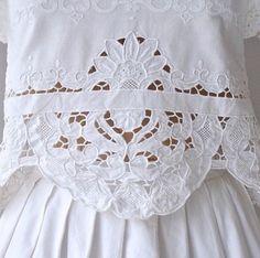 la cura dei dettagli ⚪️ it's all in the #detail #inspiration #white #lace #embroidery #vintage