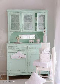 #KitchenDresser #cupboard | par Sündenherz