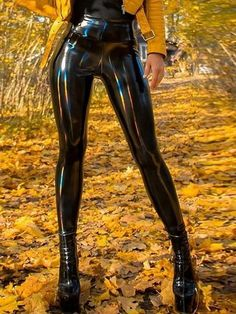 High-quality latex-like material OUTSIDE LAYER: PU INNER LAYER: Polyester, Spandex Oil spill pattern Changes color in light Sizing based on the measurement chart Mädchen In Leggings, Space Leggings, Skins Leggings, Vinyl Leggings, Patent Leather Pants, Leather Pants Outfit, Leather Trousers, Pu Leather, Black Leather Pants
