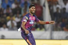 Rising Pune Supergiant (RPS) fast bowler Ashok Dinda tonight (April 6) claimed an unwanted record during the 2nd match of the Indian Premier League (IPL) 2017, against Mumbai Indians (MI).
