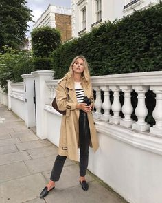 That perfect trench coat ( via Spring Summer Fashion, Autumn Winter Fashion, Spring Outfits, Outfit Summer, Chic Outfits, Fashion Outfits, Emo Outfits, Punk Fashion, Lolita Fashion