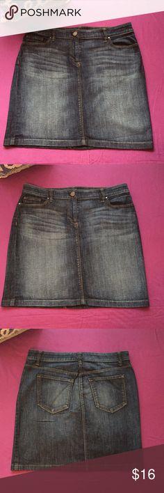 Ann Taylor Denim Skirt Modern fit 5 pockets denim skirt. Good condition. Offers welcomed.  99% Cotton  1% Spandex Ann Taylor Skirts Midi