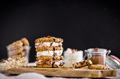 food - wolfgang rada photographer Cookies And Cream, Food Photography, Awards, Sweets, Breakfast, Morning Coffee, Gummi Candy, Candy, Goodies