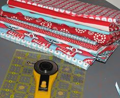 Sew Fantastic: Disappearing nine patch :: Tutorial (THIS IS THE TUTORIAL FOR THE SWANSON CHARITY QUILT.)