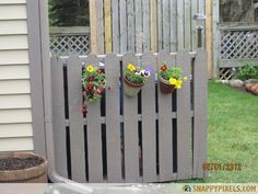 Nifty way to hide the ugly trashcan! 107 Used Wood Pallet Projects and Ideas - Snappy Pixels