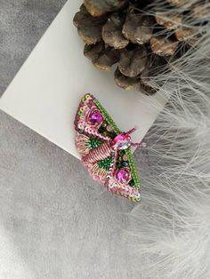 Insect Jewelry, Bird Jewelry, Butterfly Jewelry, Animal Jewelry, Jewelry Crafts, Jewelry Art, Beaded Jewelry, Handmade Jewelry, Beaded Brooch