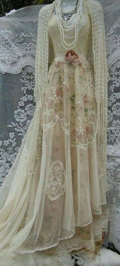 Lace Wedding Dress boho nude floral cream vintage embroidery tulle bohemian bride outdoor romantic small by vintage opulence on Etsy Vestidos Vintage, Vintage Gowns, Vintage Bridal, Vintage Outfits, Vintage Fashion, Dress Vintage, Vintage Lace, Vintage Clothing, Classy Fashion